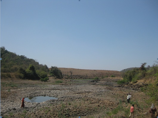 The Kalu river bed with the dam wall in the background
