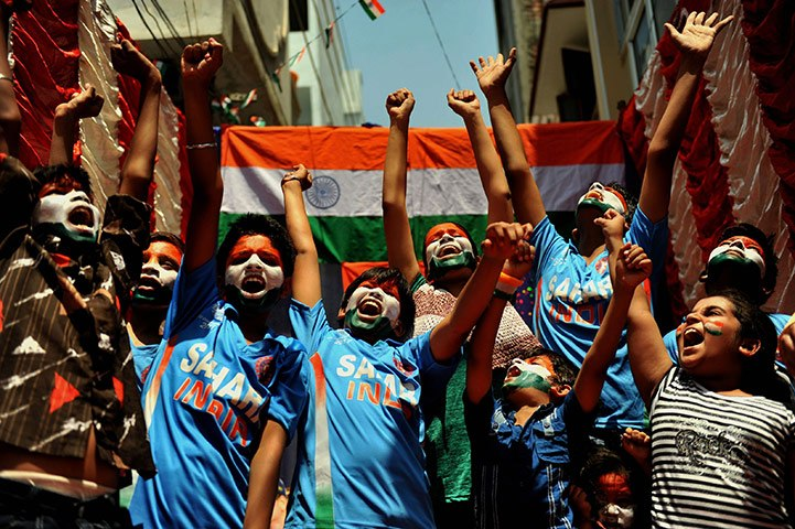 indian-cricket-fans-befor-001