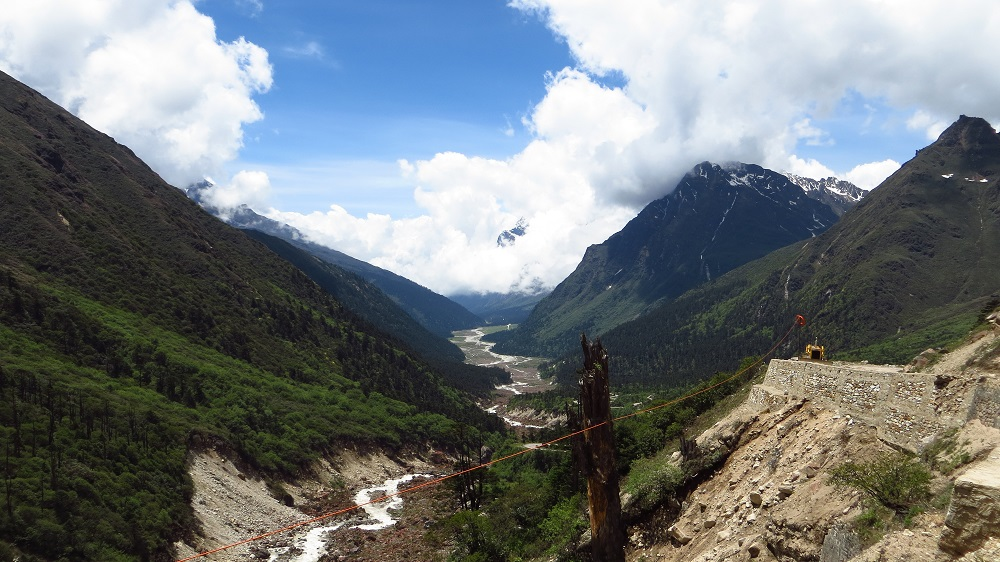 Distant view of Yumthang valley