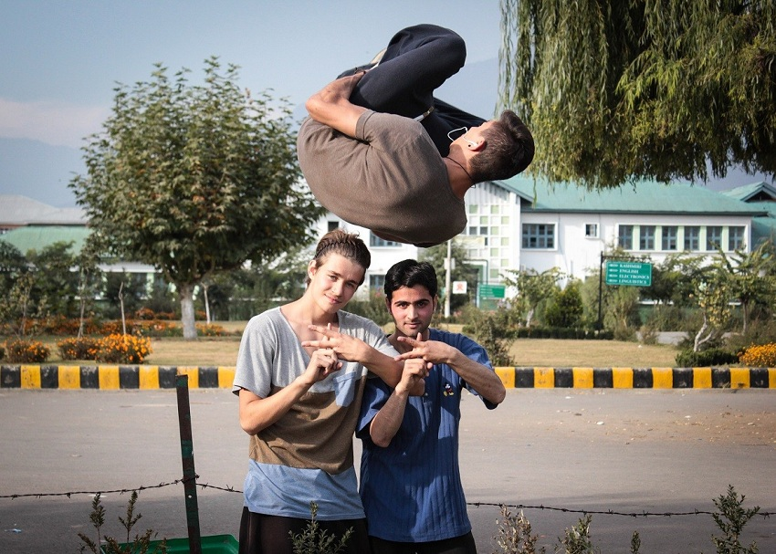 Zahid practicing with French traceurs  at Kashmir University  Photo Credits — Hashim Ahmad Hakeem