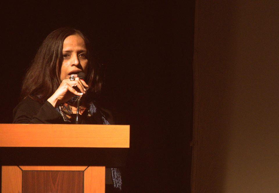 Filmmaker Nishtha Jain introducing Gulabi Gang.