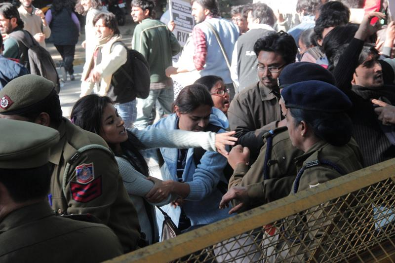 Delhi police detention of girl