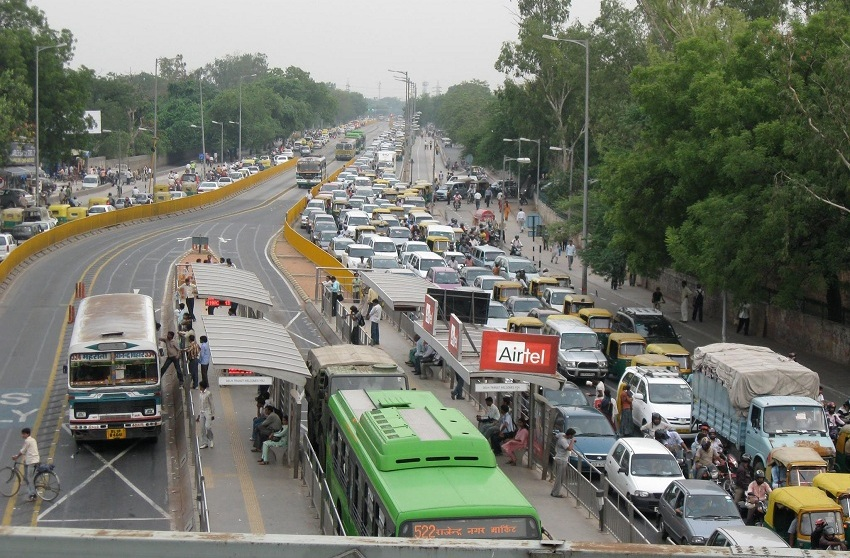 Picture Credit: Make way for buses - बस को रास्ता दो Facebook page