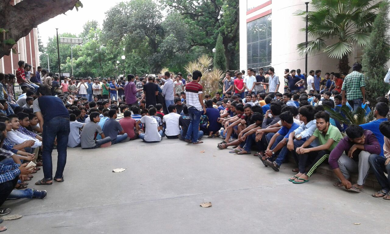 iit roorkee student protest 3