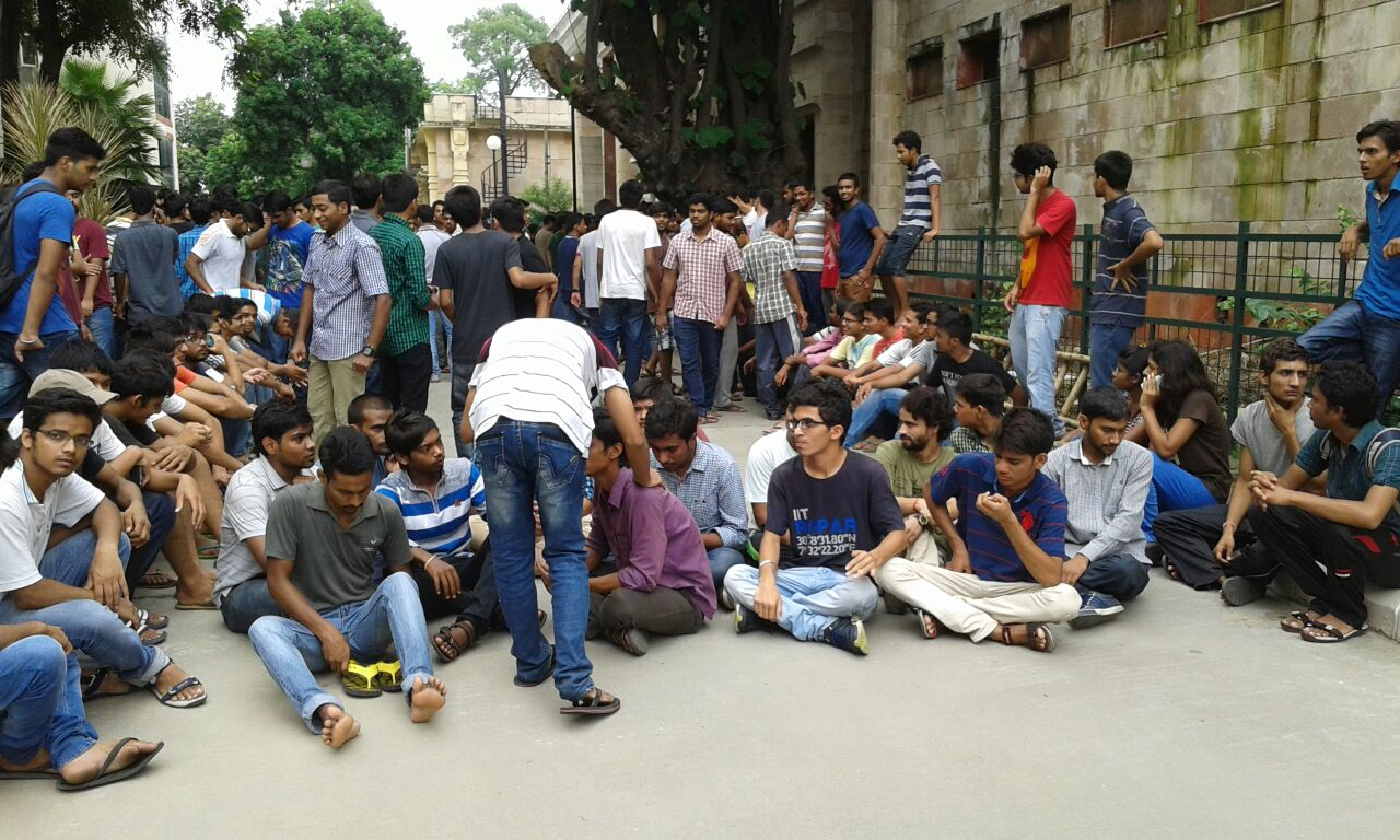 iit student protest 2