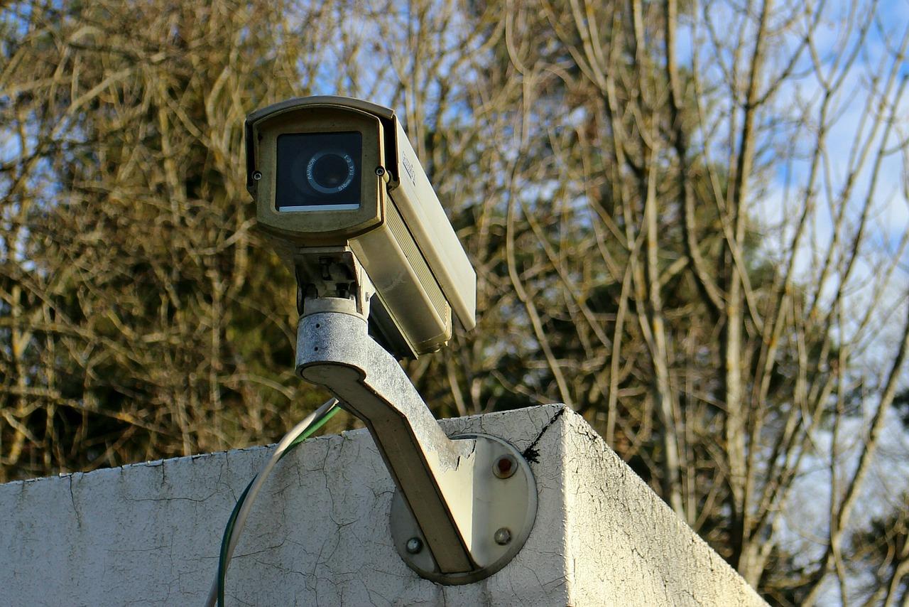 surveillance-camera-241725_1280