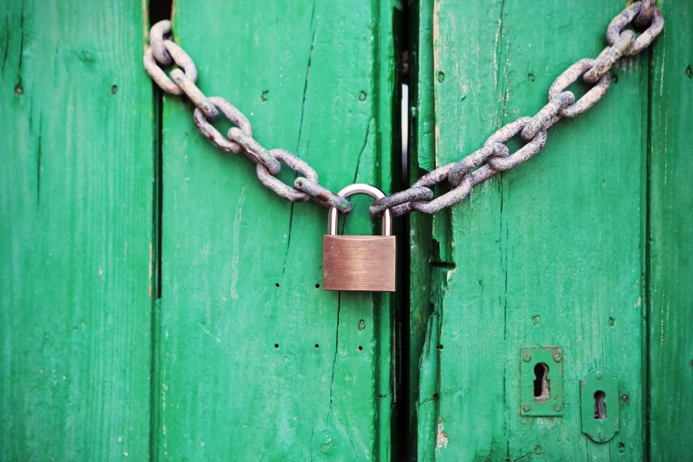 door-green-closed-lock