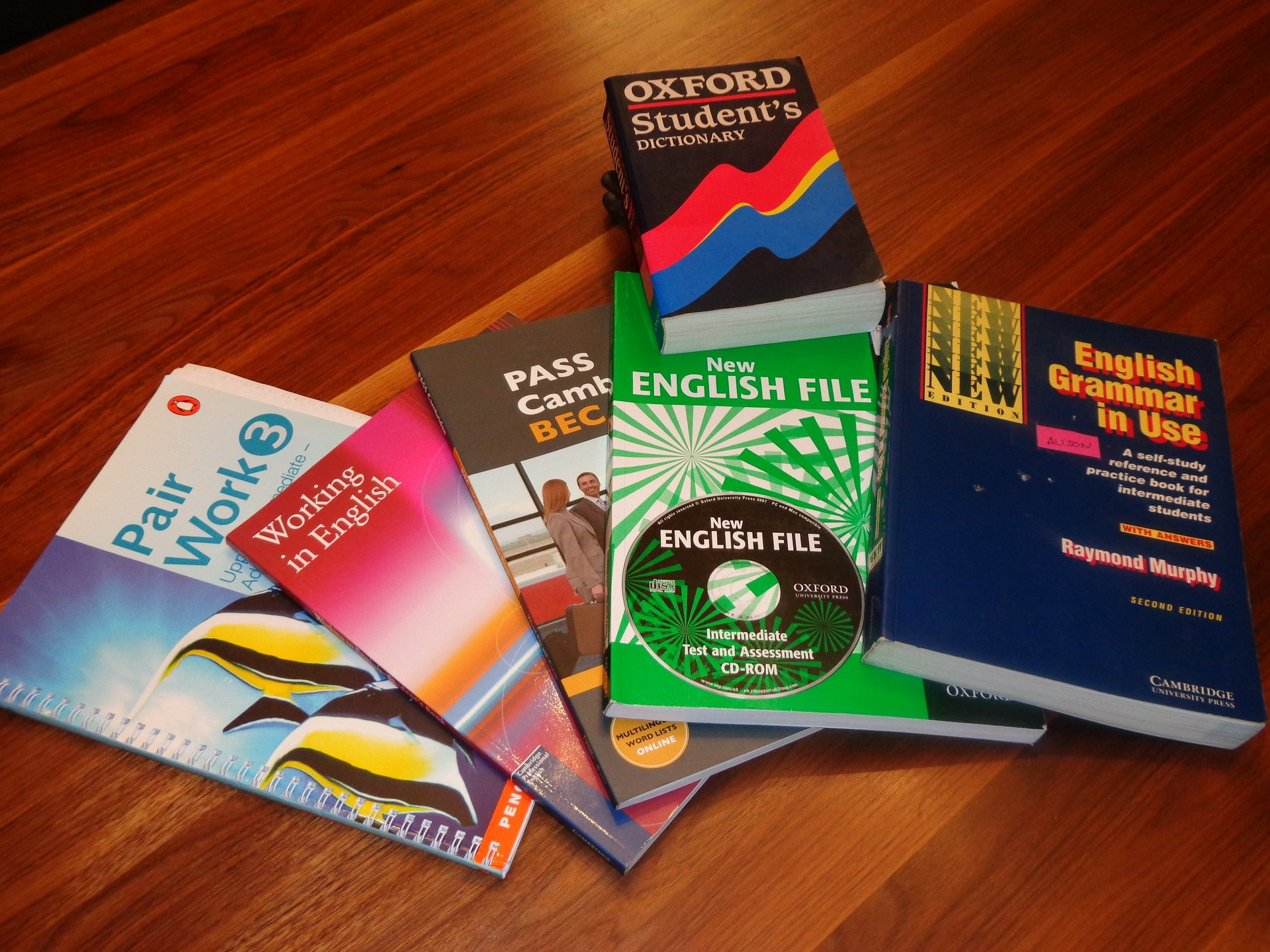 school-books-99476_1920