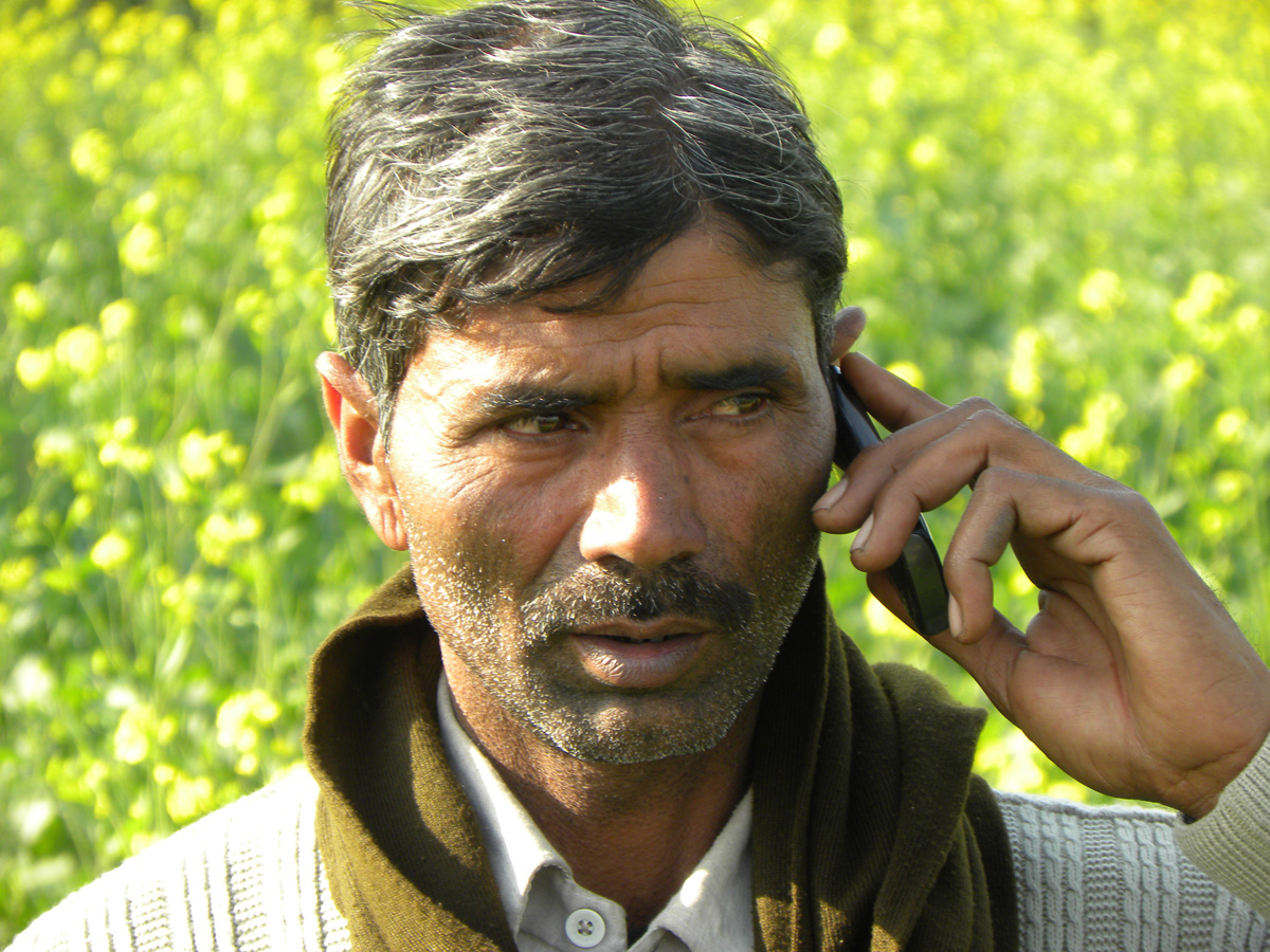 farmer mobile phone digital india