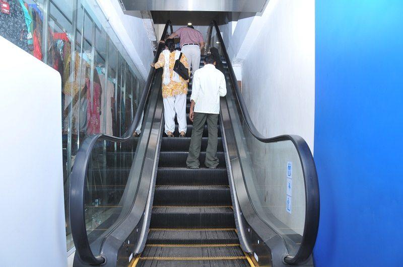 Saravana_Super_Stores_Escalator