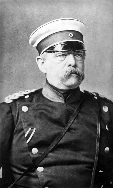 Bundesarchiv_Bild_183-R29818,_Otto_von_Bismarck