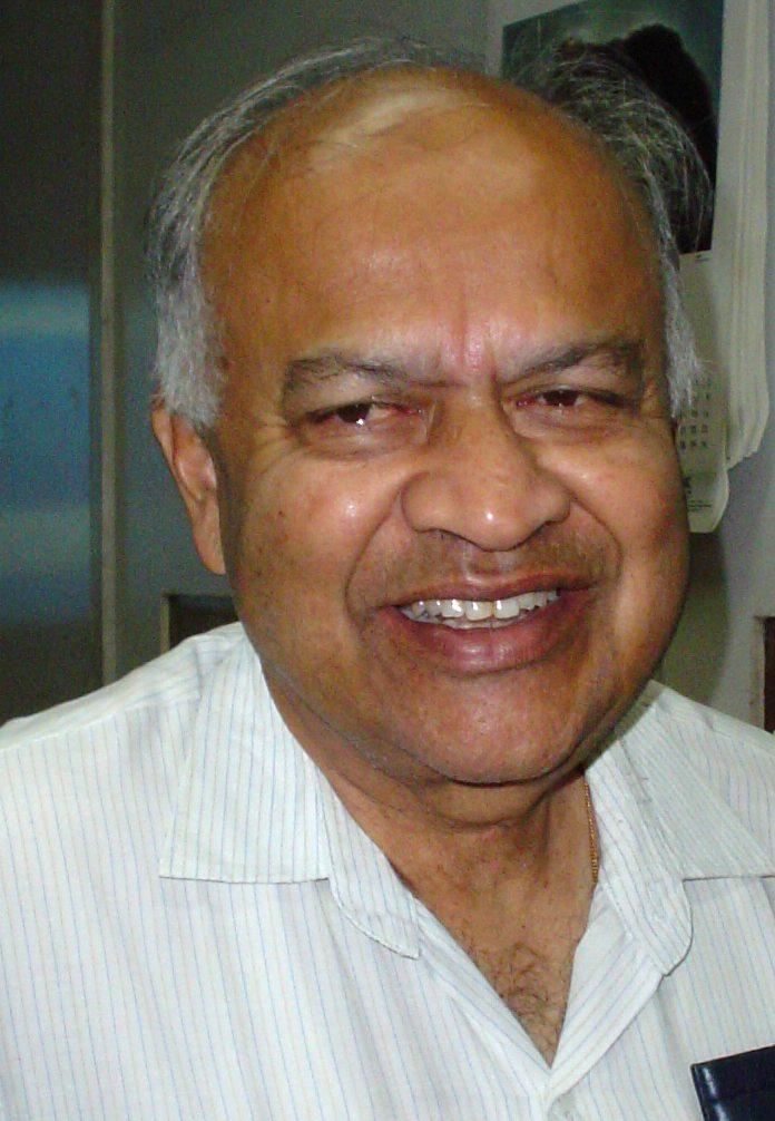 Jayant_Vishnu_Narlikar_-_Kolkata_2007-03-20_07324
