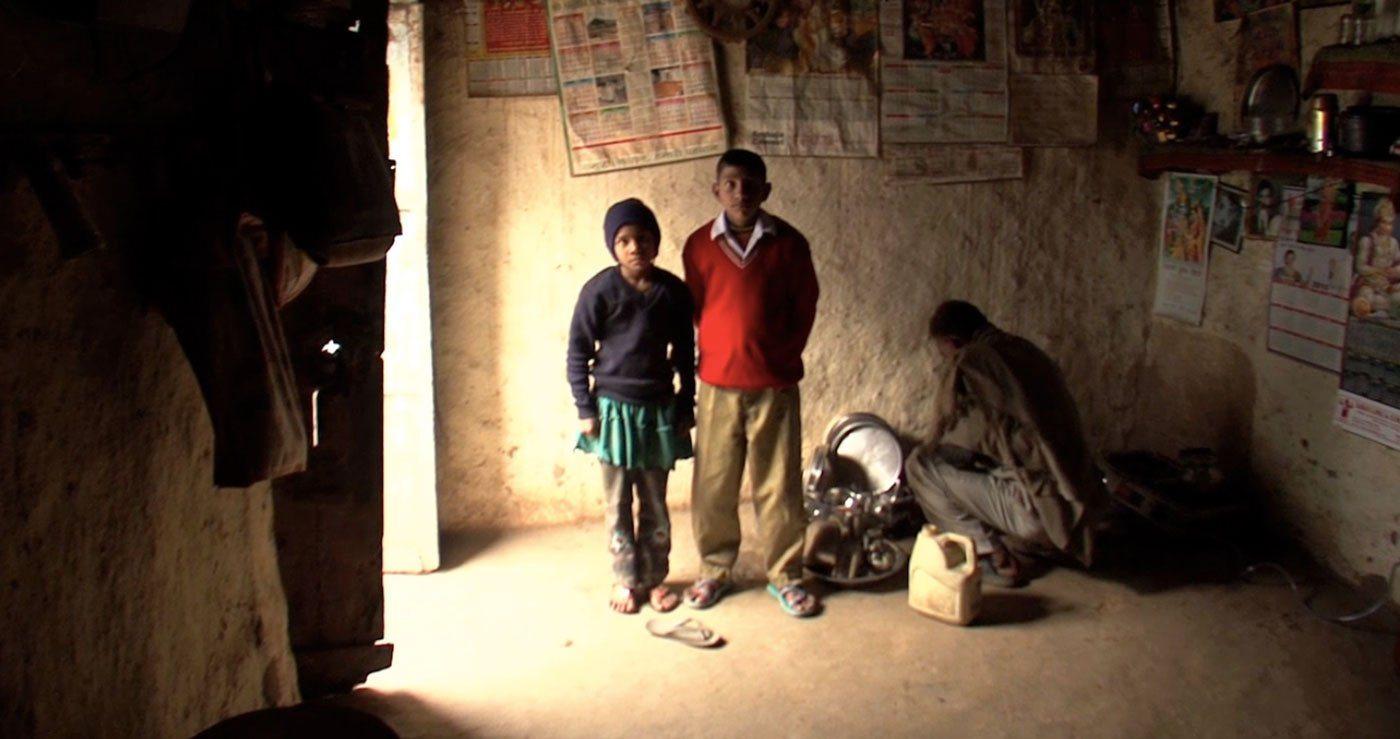 04-Kids-and-husband-SC-Manju-fights-to-cha.max-1400x1120