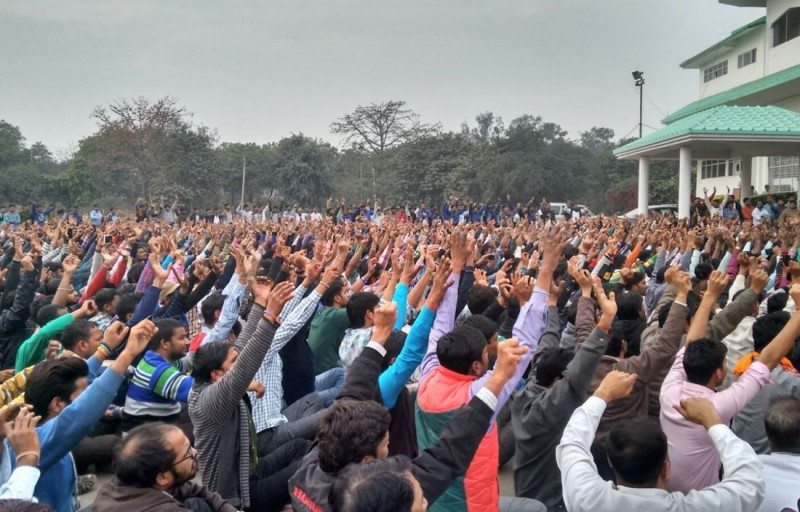February 19, 2016: Workers protest in solidarity with Honda workers from Tapukara in Tau Devilal Stadium, Gurgaon. Photo credit: Workers Solidarity Centre, Gurgaon-Bawal