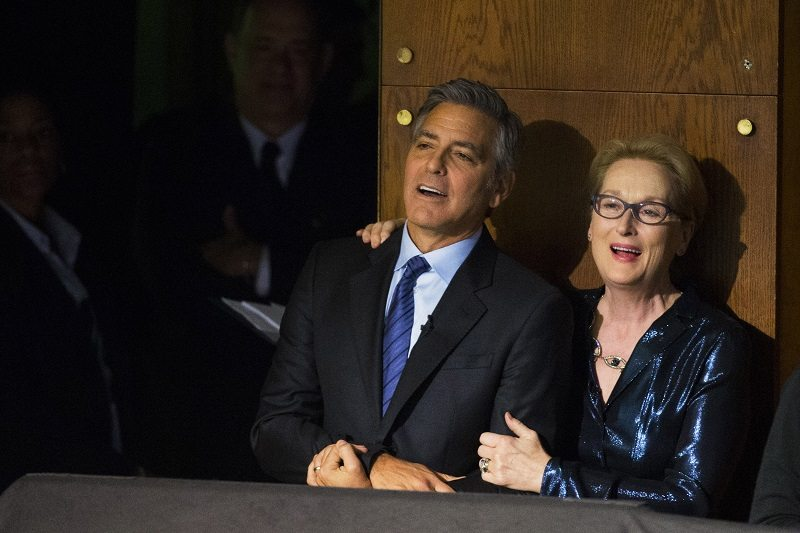 "Actors George Clooney and Meryl Streep sing together off stage during a performance at ""An Evening of SeriousFun Celebrating the Legacy of Paul Newman"" event in New York March 2, 2015. REUTERS/Lucas Jackson (UNITED STATES - Tags: ENTERTAINMENT) - RTR4RU64"