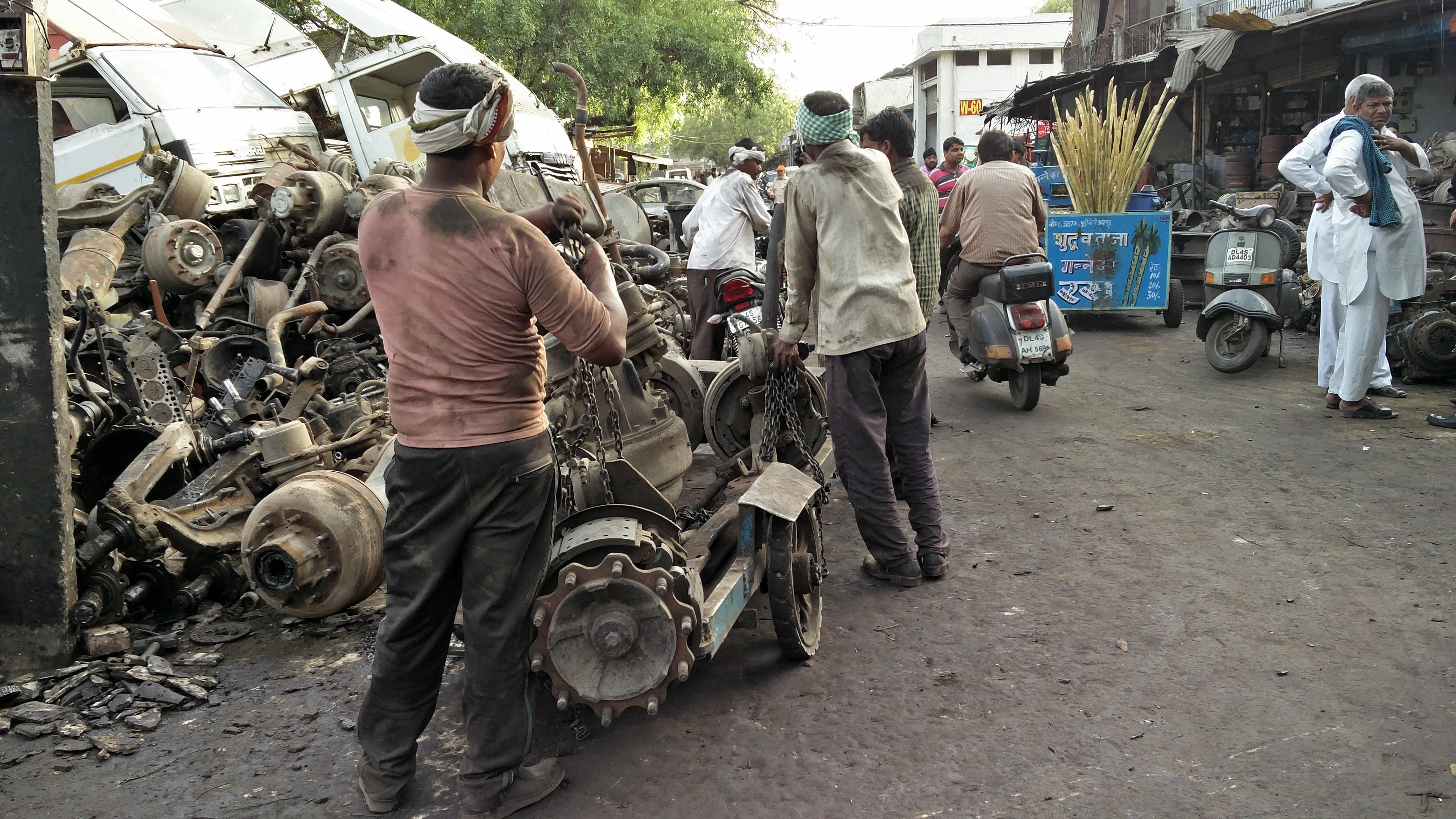 mayapuri scrap yard 3