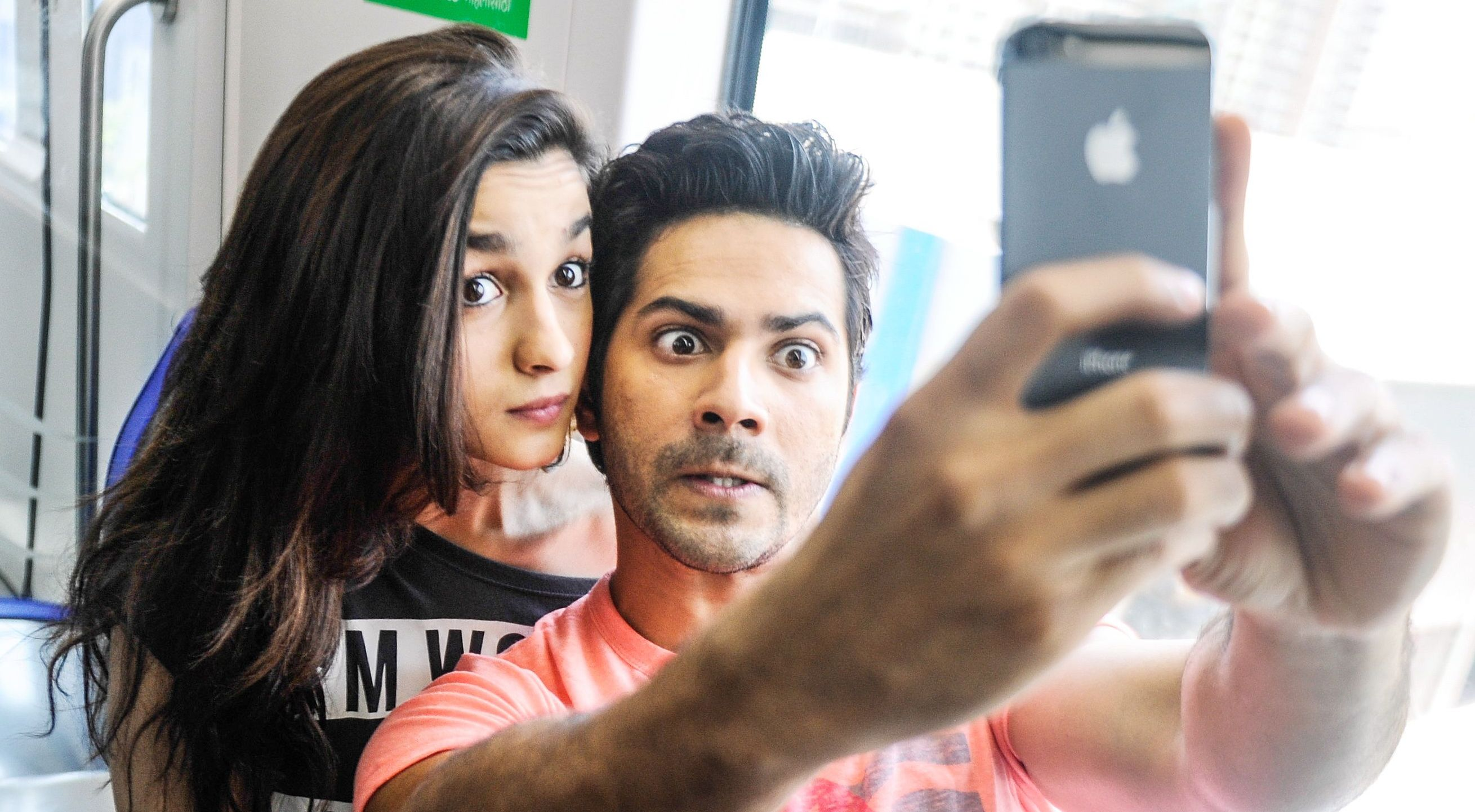 Varun Dhawan and Alia Bhatt in Mumbai Metro on 10.06.14