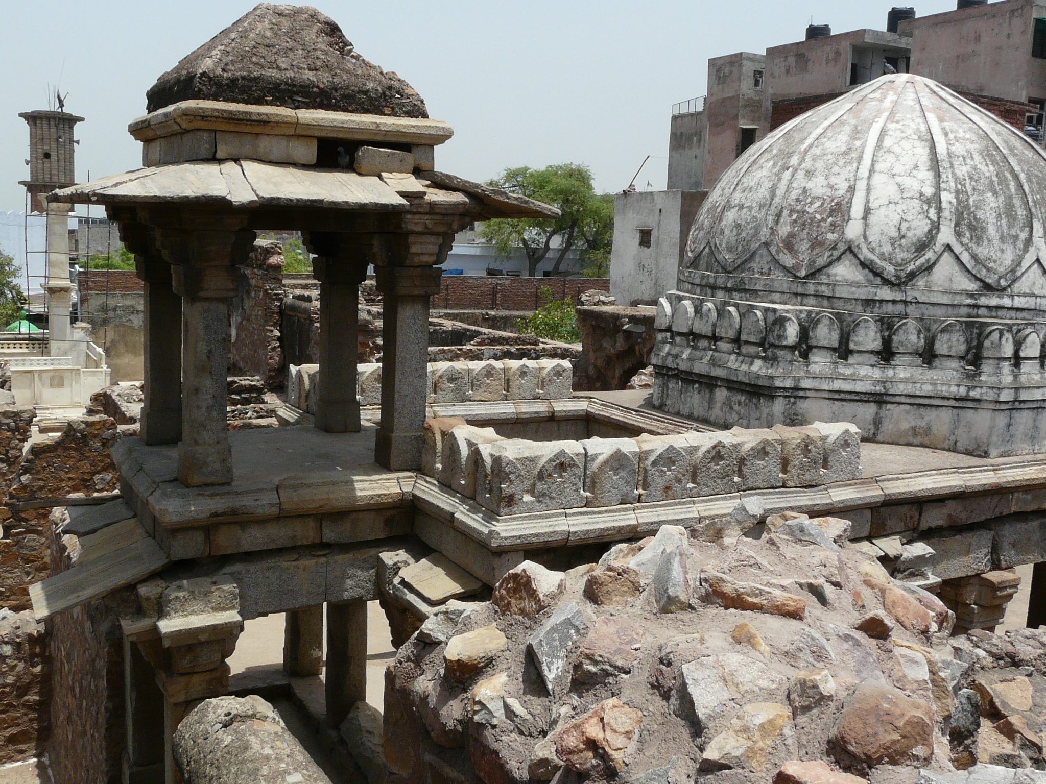 Zafar_Mahal_remains