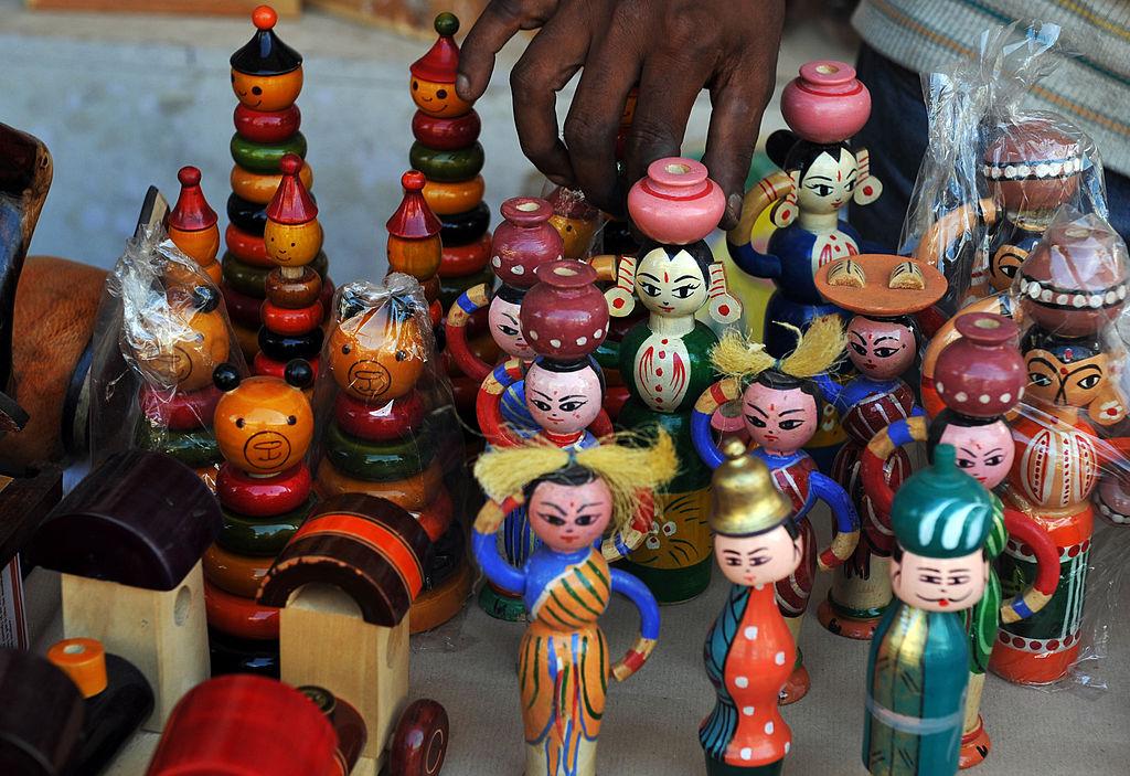How Karnataka's Channapatna Handmade Toy Industry Is Slowly Dying   Youth Ki Awaaz
