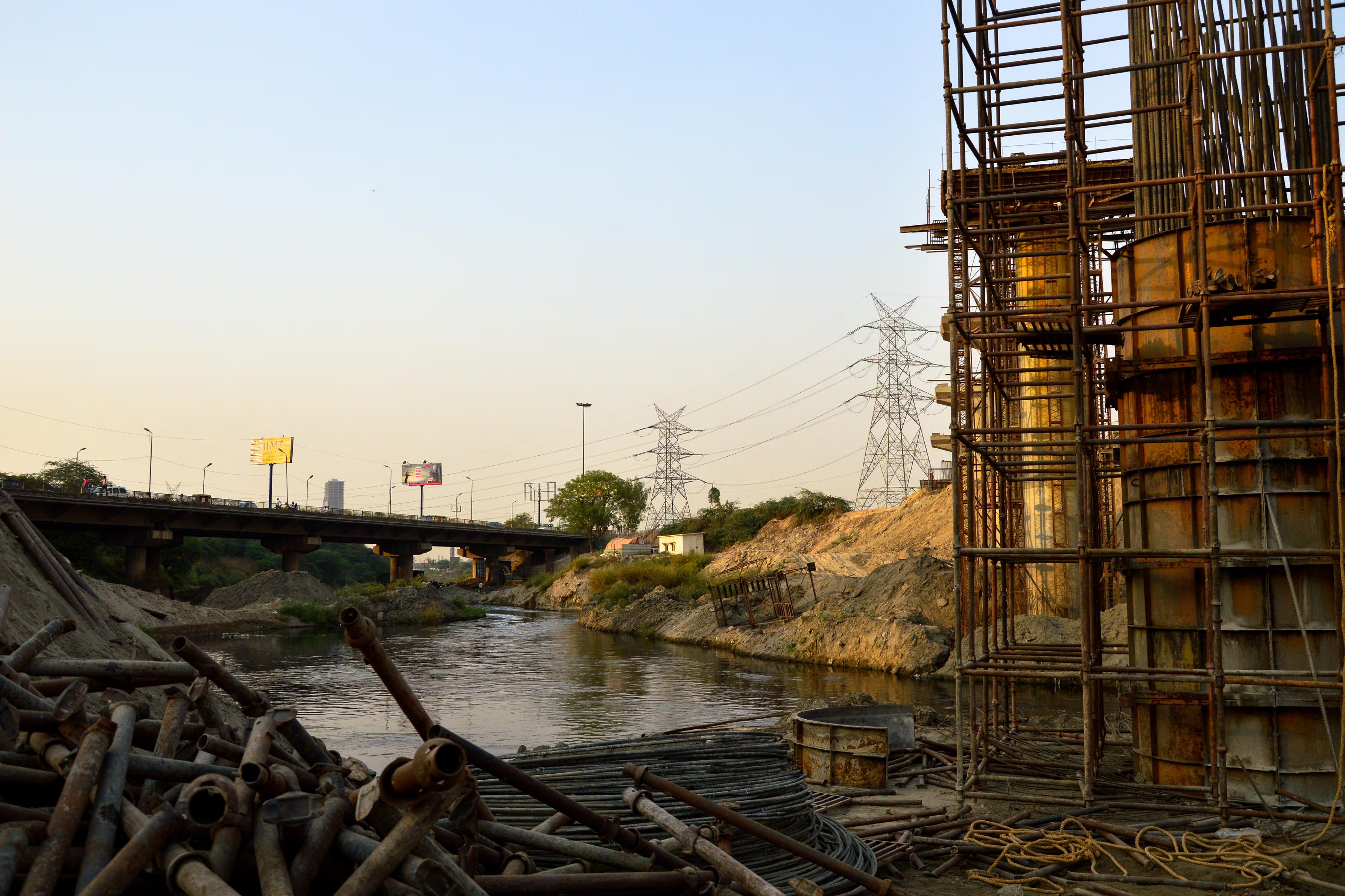 yamuna construction delay