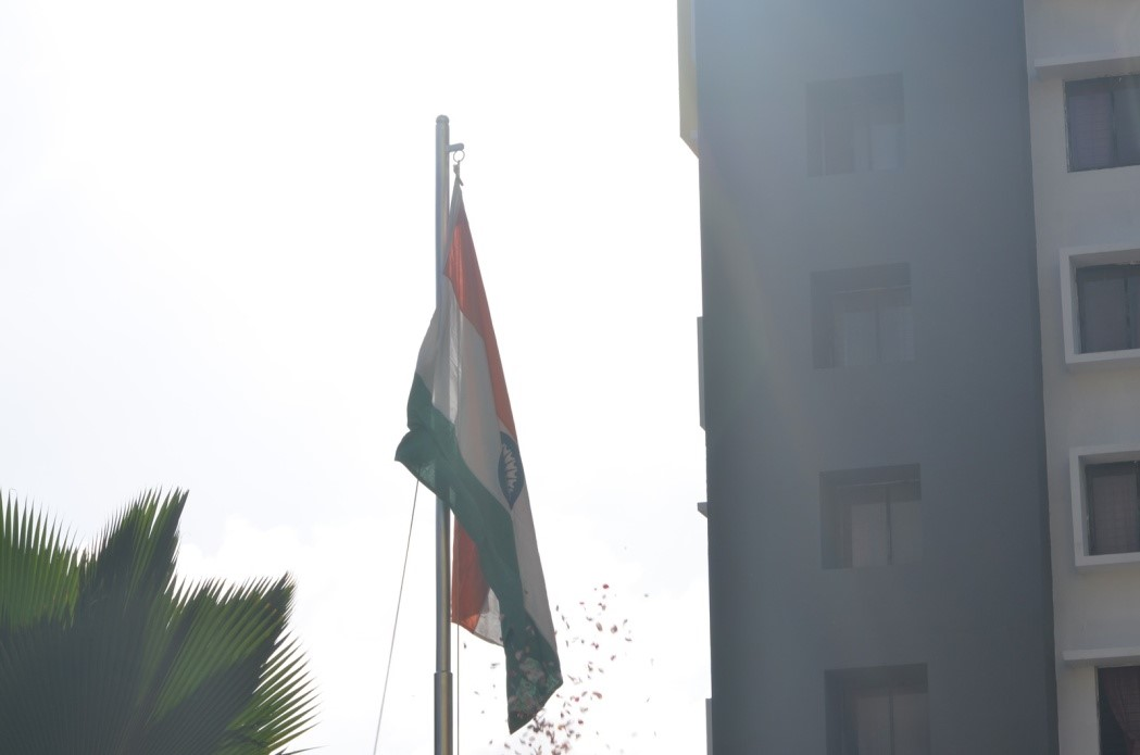 The event ended with the flag-hoisting ceremony – the unfurling of the Indian Flag that soared high and swayed with the breeze, and will continue to do so. It was simply the perfect way to usher in the 70th Independence Day of our country, by marking the celebrations with melodious tunes, delicious food and warm company. Patriotism was at its peak, and we at SSMC-B couldn't be more proud.