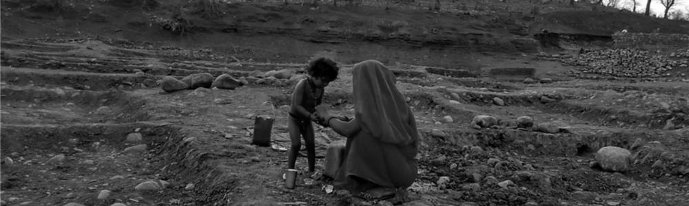 sahariya-tribal-women-with-kid