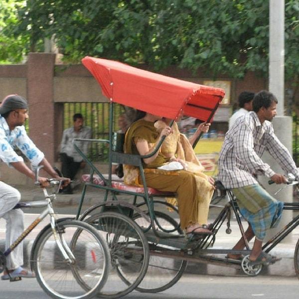Bangladeš Women-on-rickshaw-2