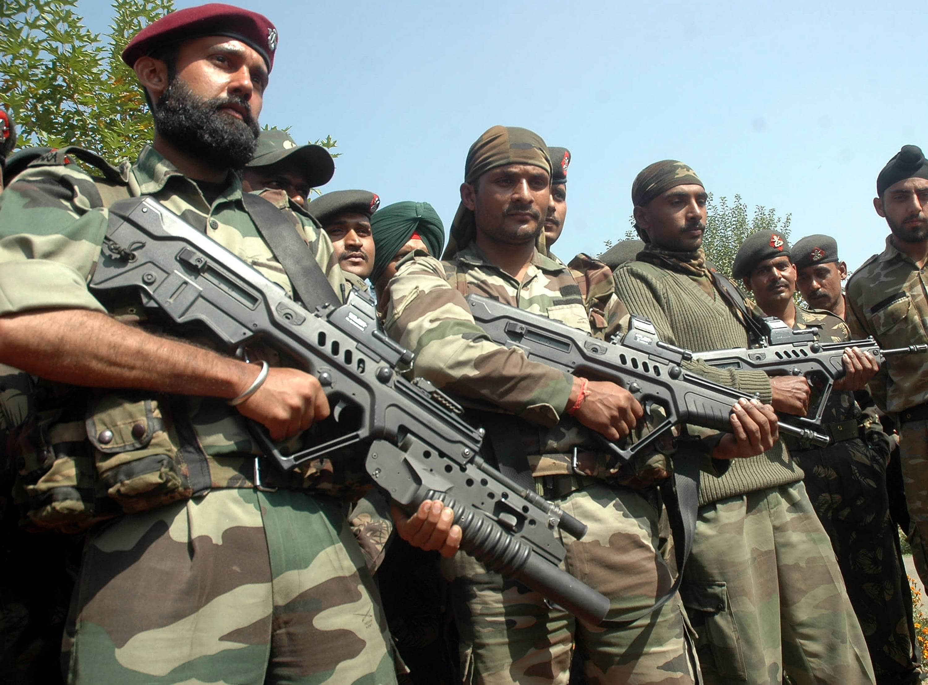 Picture of soldiers in Indian paramilitary force