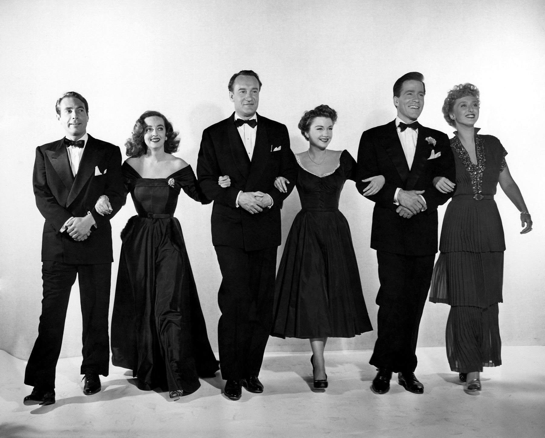 cast pub still - all about eve 1950