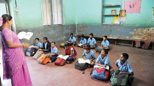 Poor Education Conditions in India Continue | Youth Ki Awaaz