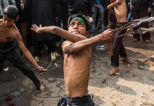 Non Muslim Perspective On The Revolution Of Imam Hussain: Muharram Self Flagellation: Why Shia Muslims Do It