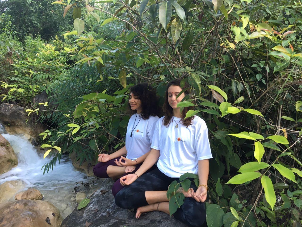 yoga lessons rishikesh