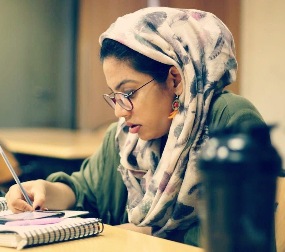 Absurd situation kashmir college girls