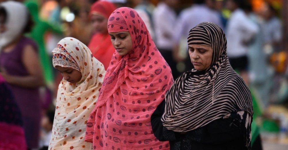 क्या इस्लाम में महिलाओं के मस्जिद में एंट्री पर है रोक