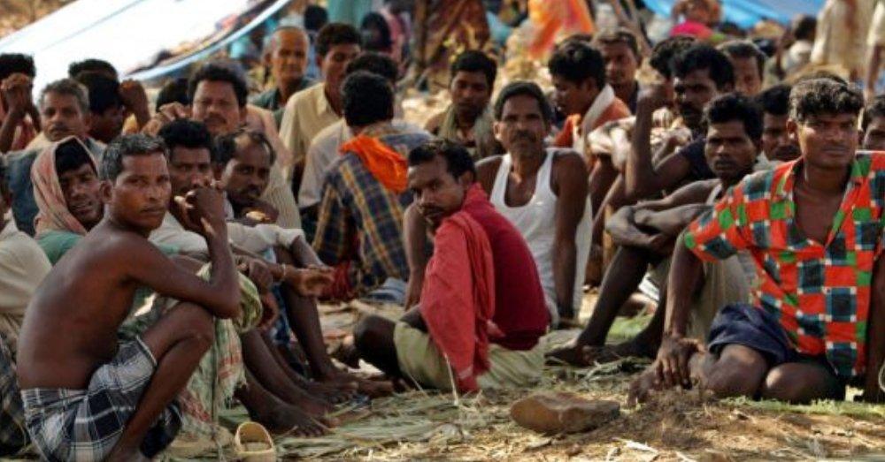 दलित महासभा के दौरान अलग-अलग इलाकों से आए दलित समुदाए के लोग