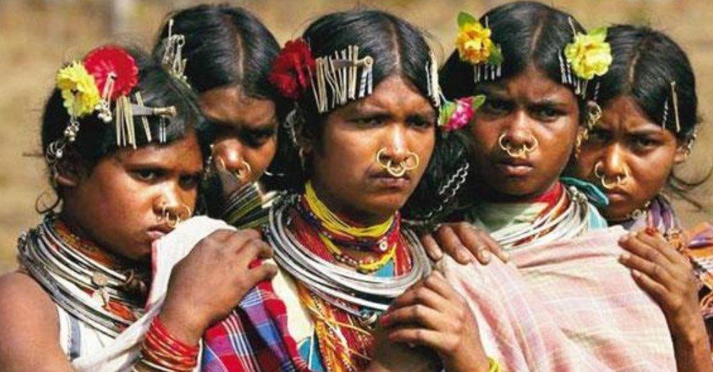 आदिवासी महिलाओं की प्रतिकात्मक तस्वीर