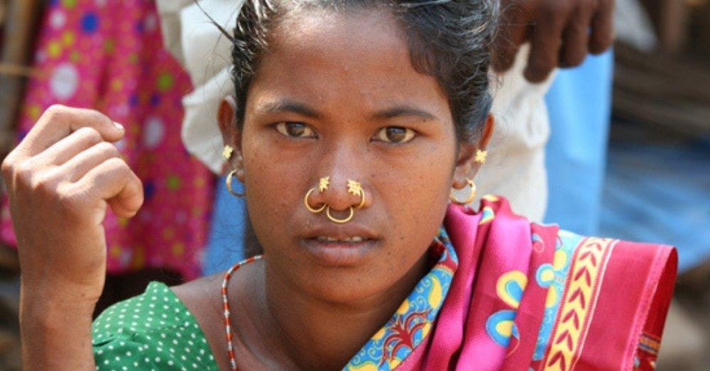 आदिवासी लड़की