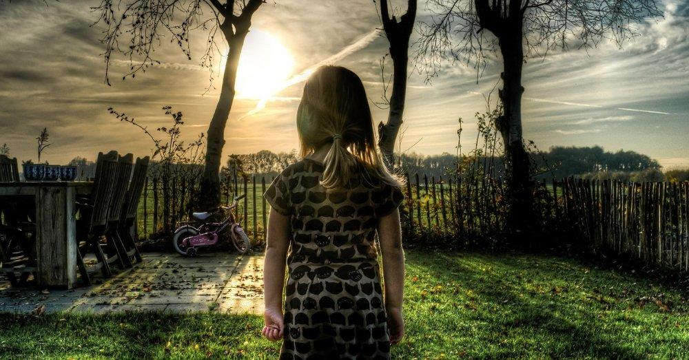 लड़की की प्रतीकात्मक तस्वीर