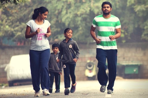 A family in Bengaluru go running together. (Photo by Aniruddha Chowdhury/Mint via Getty Images)