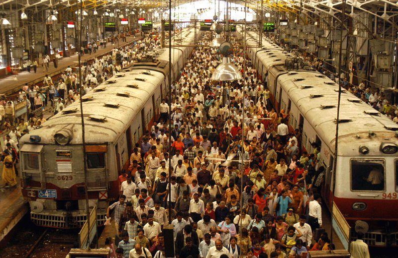 Crowded train station India - Flickr
