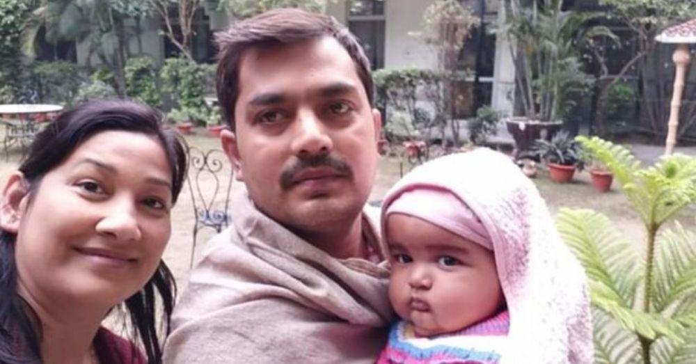 रवि, एकता और उनका बच्चा