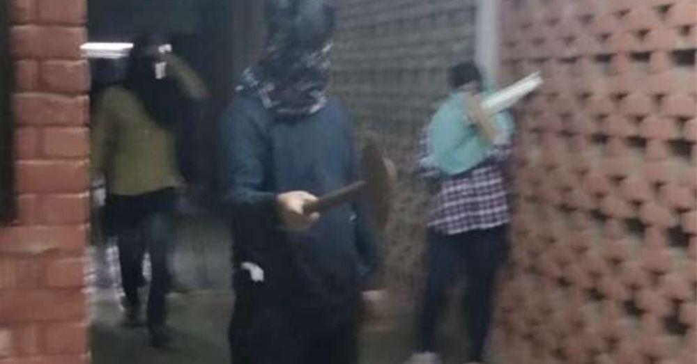 जेएनयू में हिंसा