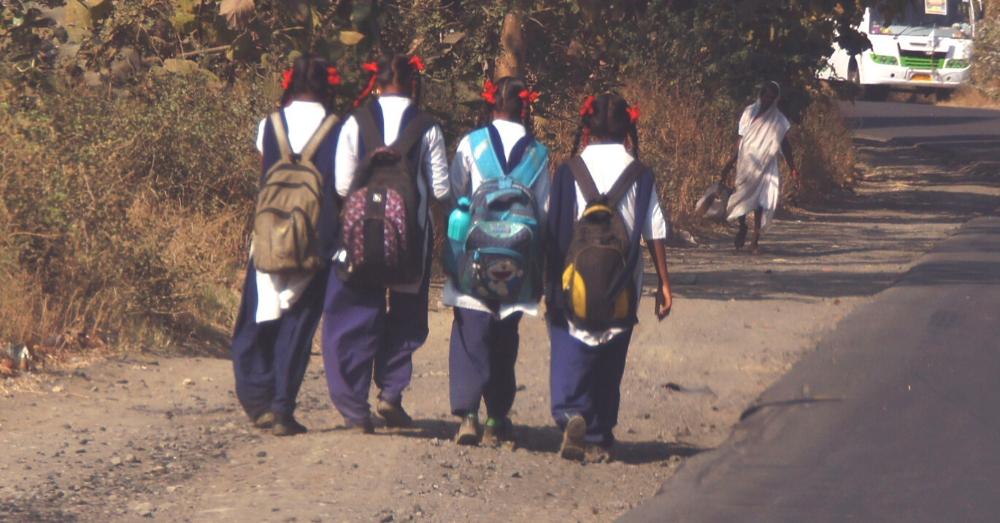 स्कूल की लड़कियां, प्रतीकात्मक तस्वीर