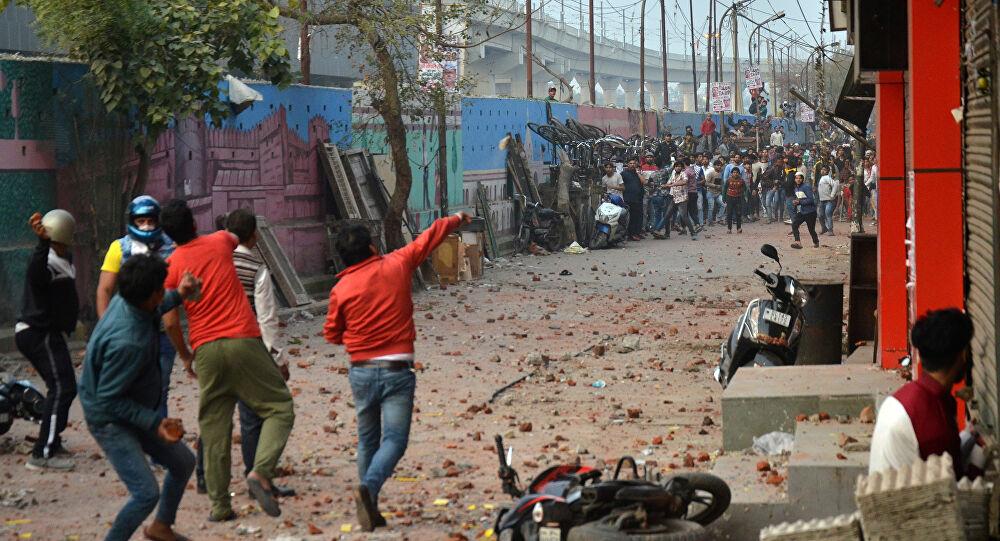 Delhi RIOTS [via Google]