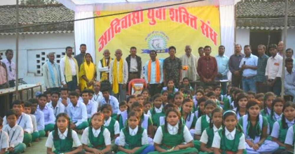 गोंडी भाषा को बढ़ने के लिए उत्सुक बच्चे