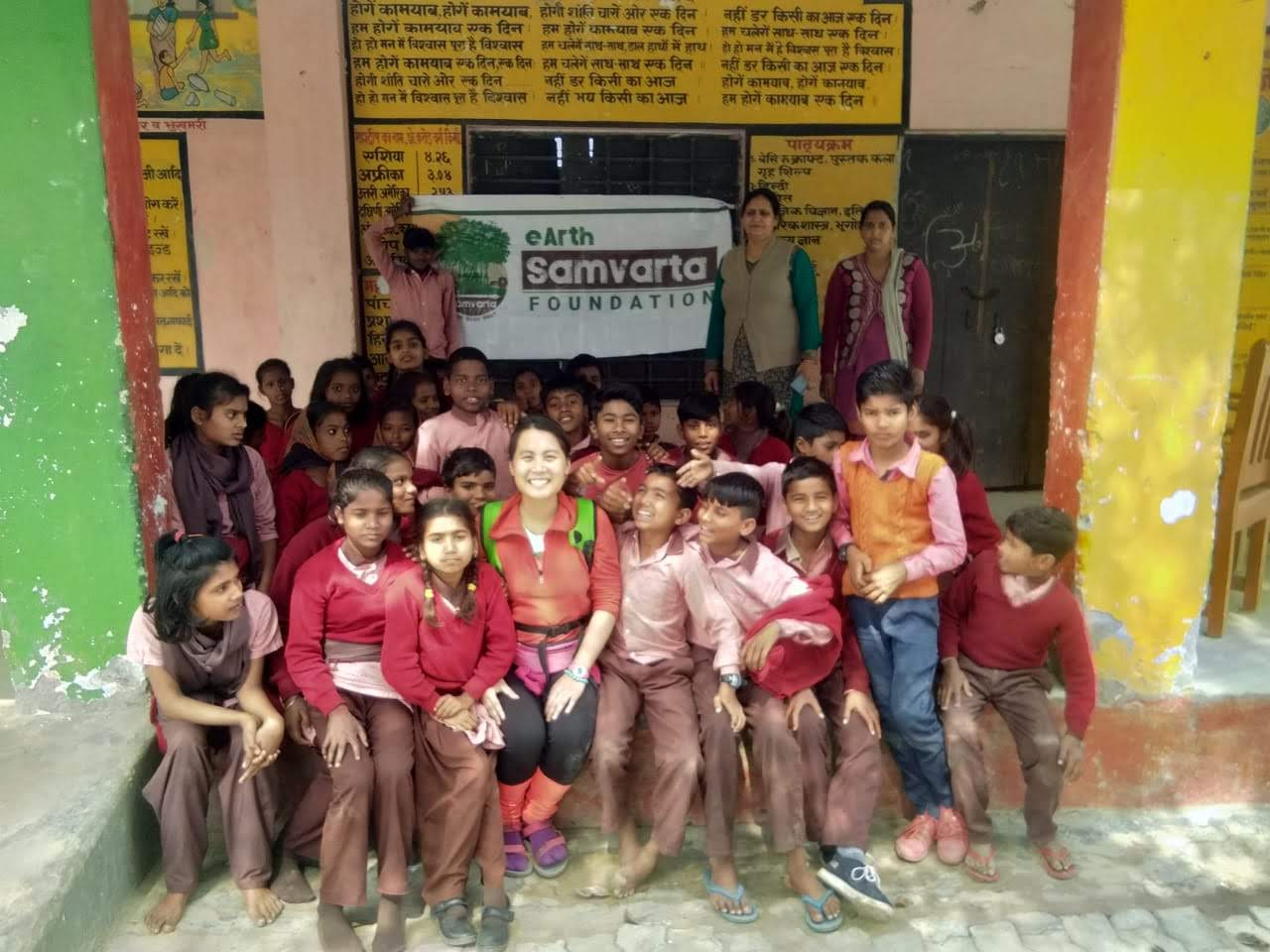 eSF with students from low income families in Banbeerpur Village, Ayodhya UP