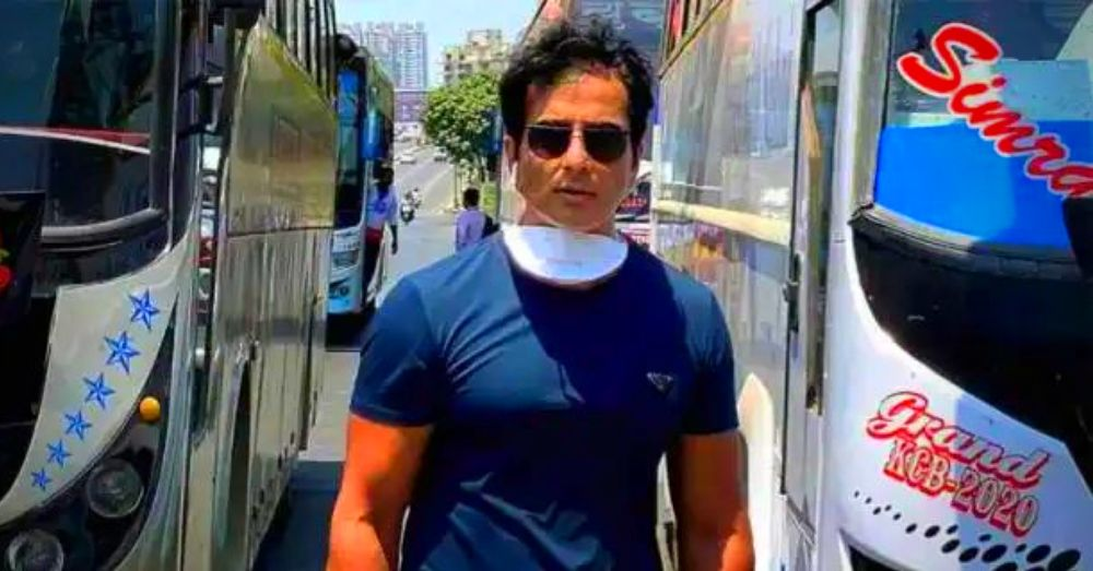 Sonu Sood Is Helping The Migrant Labourers