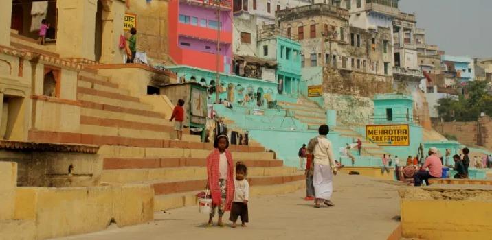 Children varanasi ghats