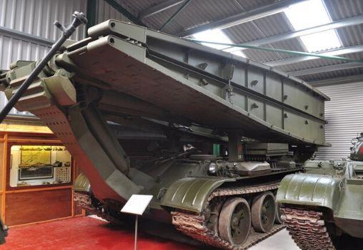 indian army equipment tank war machinery