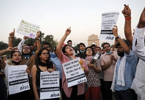 Women protesting for justice of Hathras Rape Case